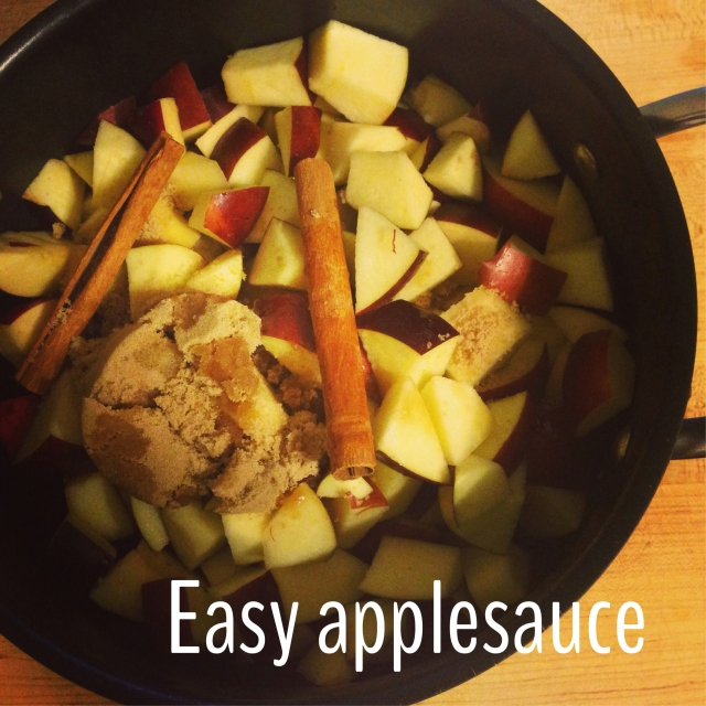 Simple Saturday: Quick Applesauce